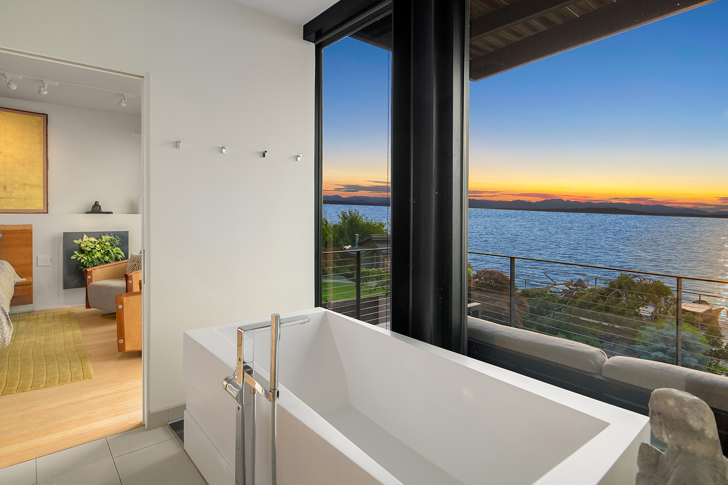 "Hello, waterfront! This home was designed by{&nbsp;}Tom Kundig and sits on 50 feet of waterfront. Listed for $4.25 million, it features three bedrooms, 2.75 bathrooms, an office, gym, media room and has an outdoor entertaining patio with a pool and hot tub. Did we mention the elevator and views of the{&nbsp;}Puget Sound, Blake Island and Bainbridge?{&nbsp;}<a  href=""https://www.matrix.nwmls.com/Matrix/Public/Portal.aspx?ID=29829886132#1"" target=""_blank"" title=""https://www.matrix.nwmls.com/Matrix/Public/Portal.aspx?ID=29829886132#1"">More info online</a>. (Image:{&nbsp;}<a  href=""https://www.bdhomeseattle.com/6775-beach-dr-sw"" target=""_blank"" title=""https://www.bdhomeseattle.com/6775-beach-dr-sw"">Tim Van Asselt</a>)"
