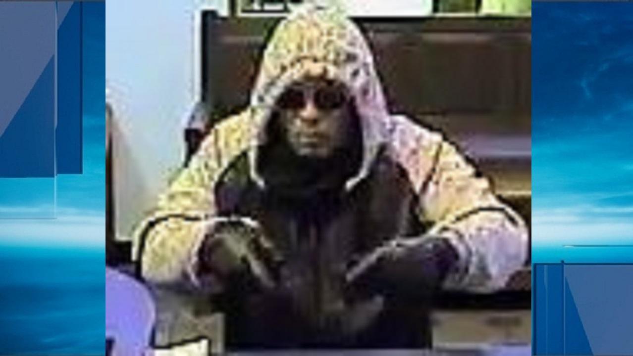 Bank Robber Wore Hooded Jacket Aviator Sunglasses Woai