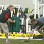 Packers offer free youth football coaching school