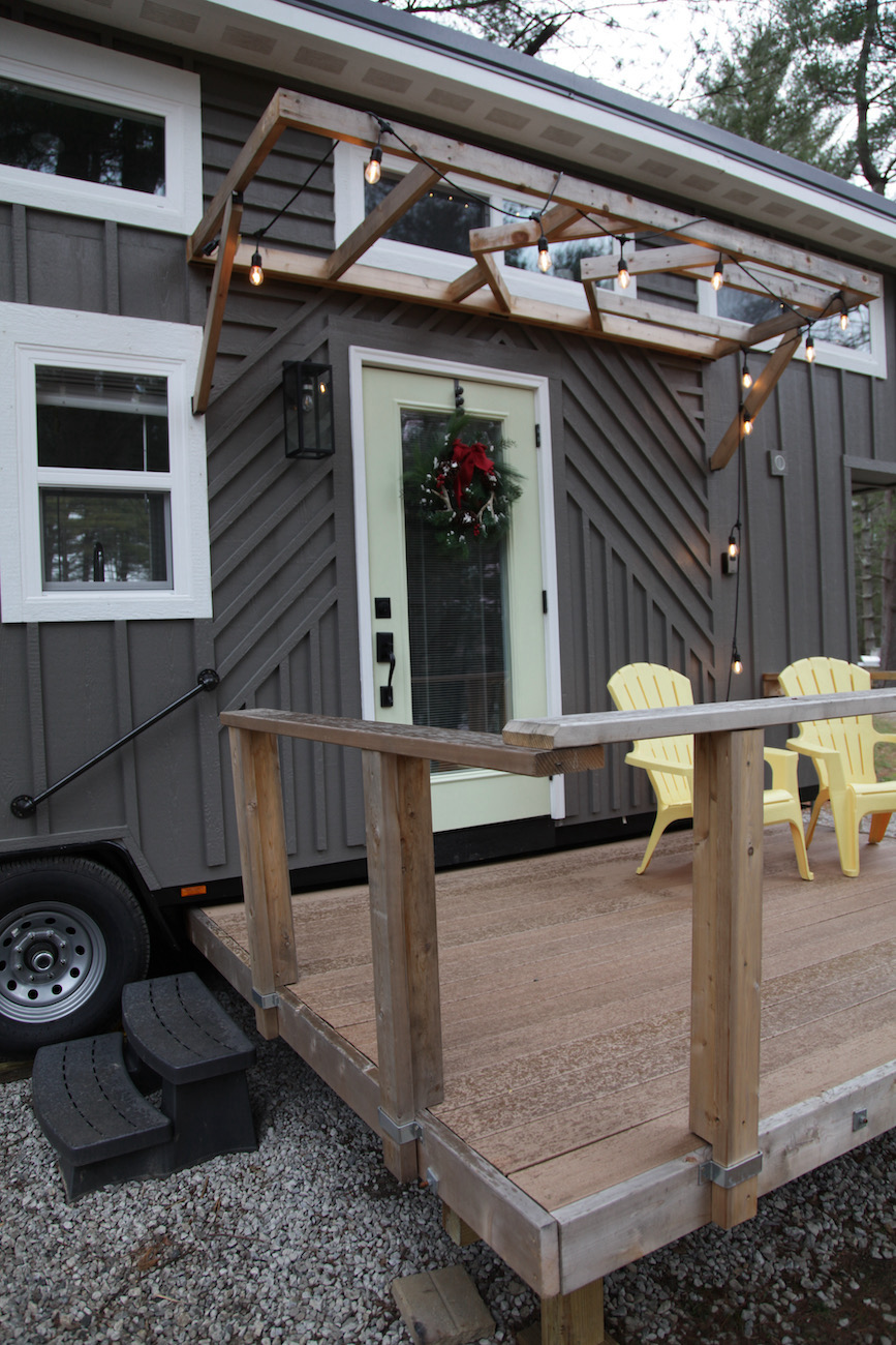 Trillium's deck overlooks Lake Logan and has a fire ring nearby. / Image: Chez Chesak{ }// Published: 1.24.21