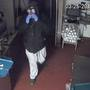 Man robs Manitowoc restaurant in clown mask