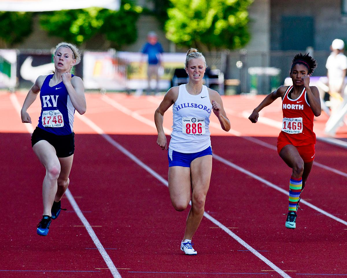 Kennedy Taube from Hillsboro wins the 5A Girls 200 meter Dash with a time of 25.25 at the OSAA Championship at Hayward Field on Saturday. Photo by Dan Morrison, Oregon News Lab