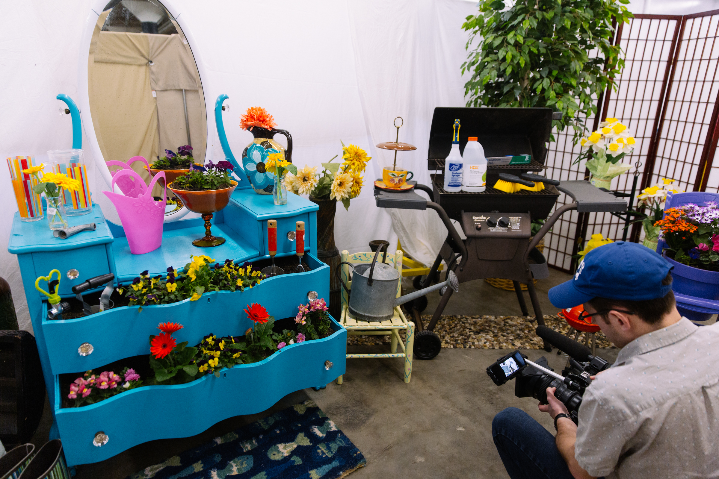 Seattle Goodwill has everything you need to make Mother's Day A-MOM-Zing. Here are some great gift ideas to make for mom, and some easy ways to pretty up mom's patio too! Goodwill's DIY Guy, Gary Foy, shared budget friendly ways to set the stage for mom to have fun in the sun.<p></p>