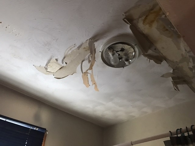 Damage to ceiling in apartment. (NTV/Ifesinachi Egbosimba)`