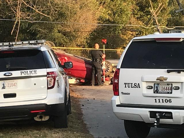 1 dead, 1 in custody after rollover crash in northwest Tulsa