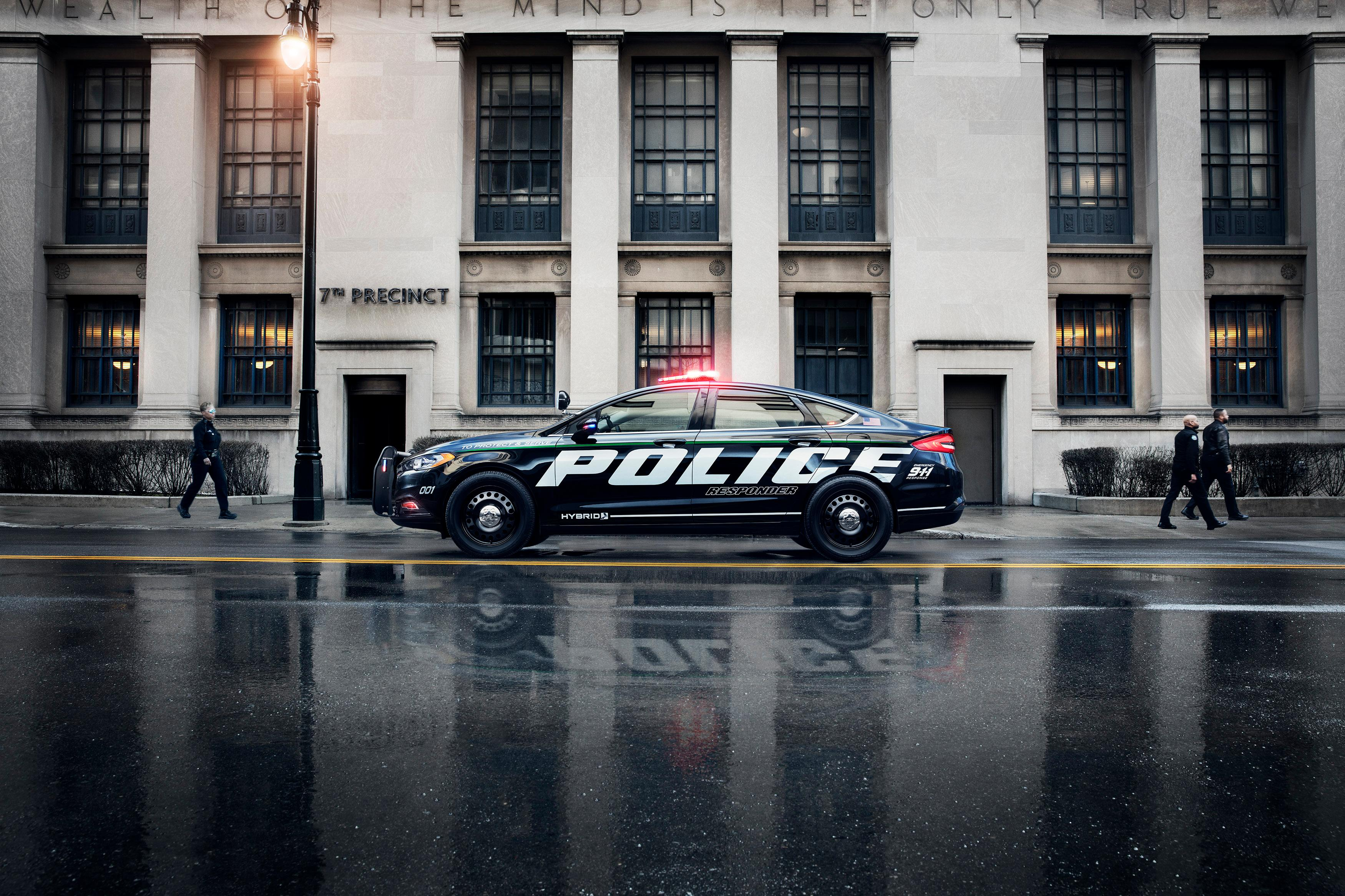 Ford Police Responder Hybrid Sedan (Image courtesy of Ford Motor Co.)