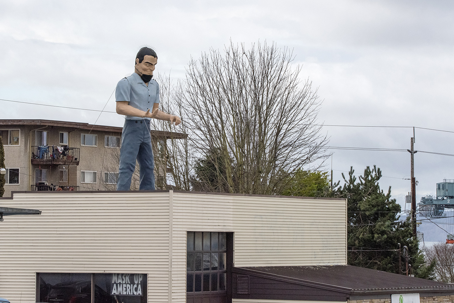 He's not alone. The Muffler Man has several other Washington brothers, and hundreds of other siblings standing roadside throughout America. (Rachael Jones / Seattle Refined)