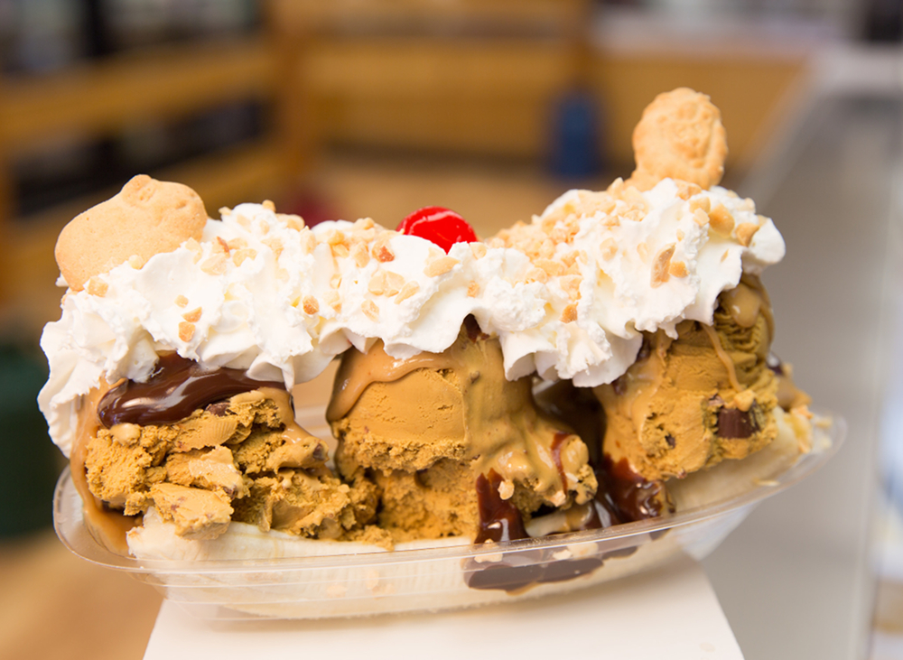 Young's Jersey Dairy's Peanut Butter Banana Split / Image courtesy Young's Jersey Dairy // Published: 8.22.18