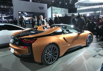 BMW i8 and Chevrolet Corvette ZR1 go topless at the 2017 LA Auto Show