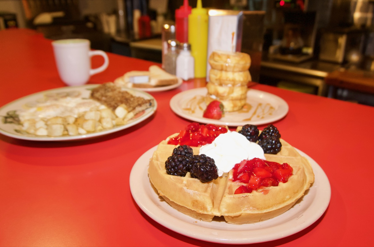 <p>Cock-a-doodle Dayton, waffles, and a gourmet Belgian waffle / Image: Brian Planalp // Published: 8.15.18</p>