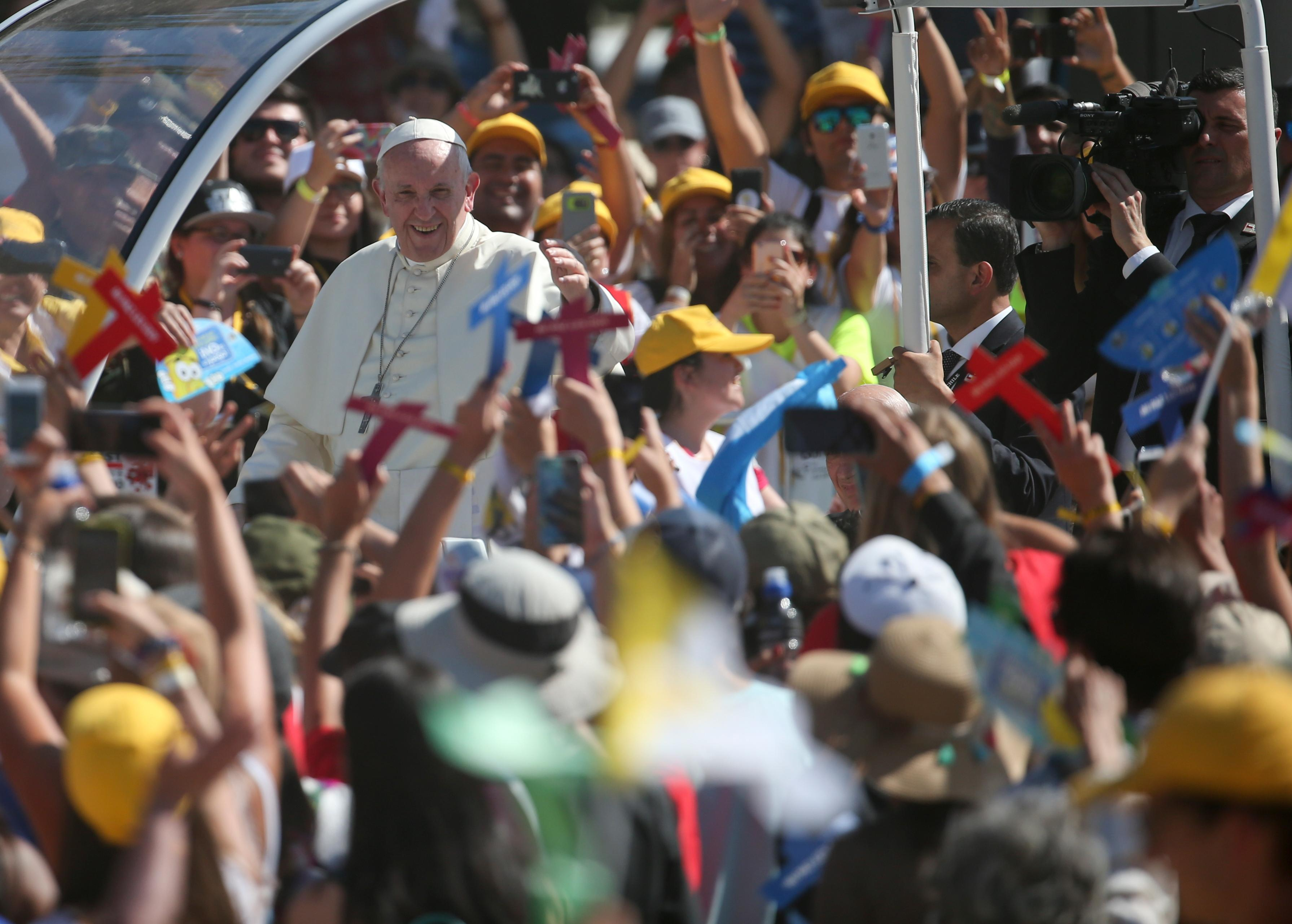 Pope Francis arrives for a meeting with young people at the Shrine of Maipu in Santiago, Chile, Wednesday, Jan.17, 2018. (AP Photo/Natacha Pisarenko)