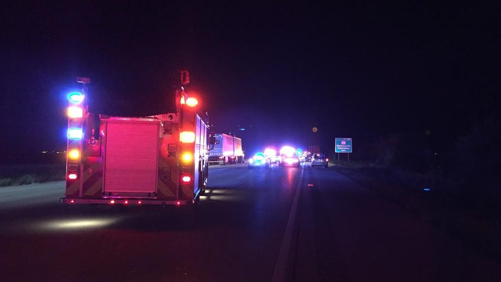 Police on scene of semi, car crash on I-55 | WICS