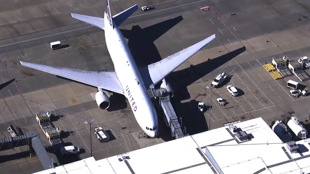 Fuel truck crashes into United Airlines plane