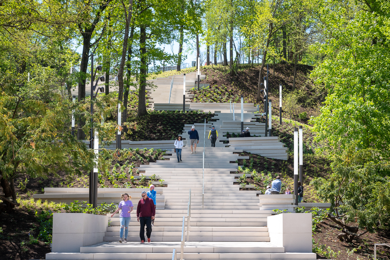 At the time of this writing, the Cincinnati Art Museum is temporarily closed, but the stairs are open. While using the stairs, remember to maintain proper social distancing. The Cincinnati Art Museum is fully accessible, but this staircase is not. / Image: Phil Armstrong // Published: 5.11.20