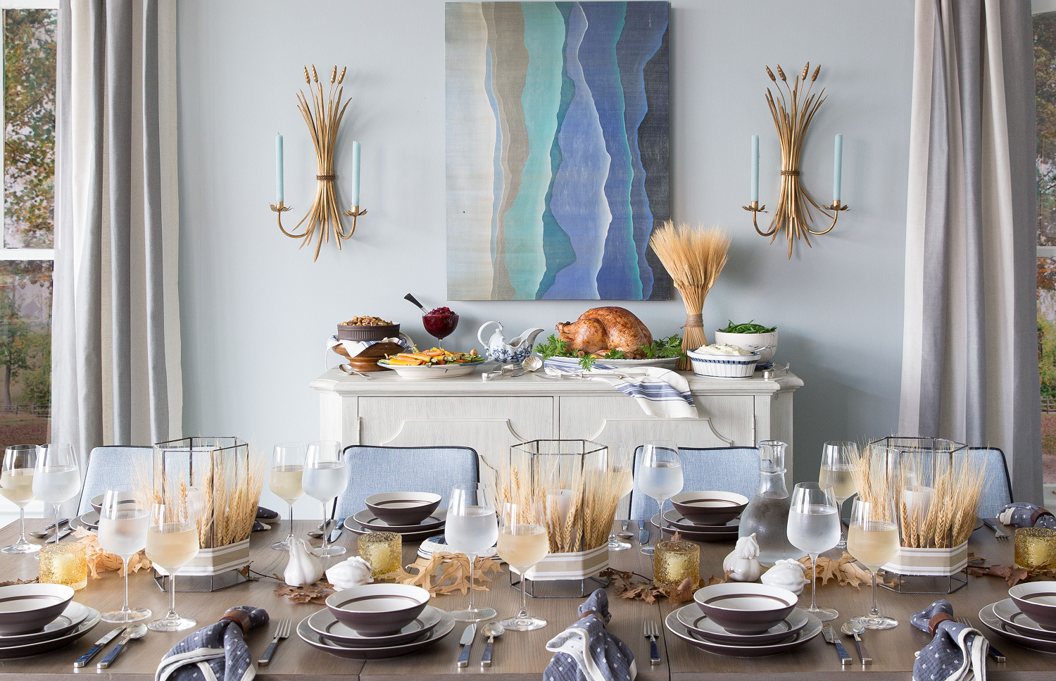 Although hosting can be stressful, styling a tablescape can be nice and simple if you use these helpful tips.{&amp;nbsp;}<p></p>