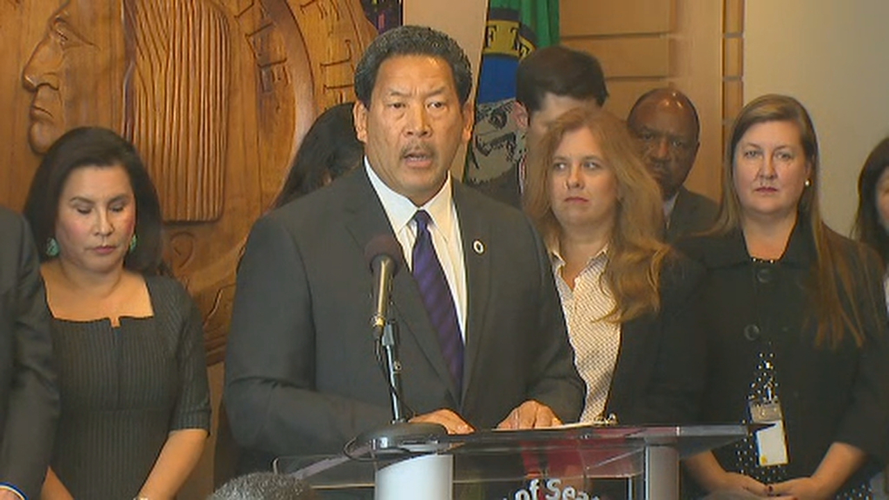 Seattle City Council President Bruce Harrell was sworn in as Seattle mayor Wednesday afternoon following Ed Murray's resignation Tuesday.  (Photo: KOMO News)