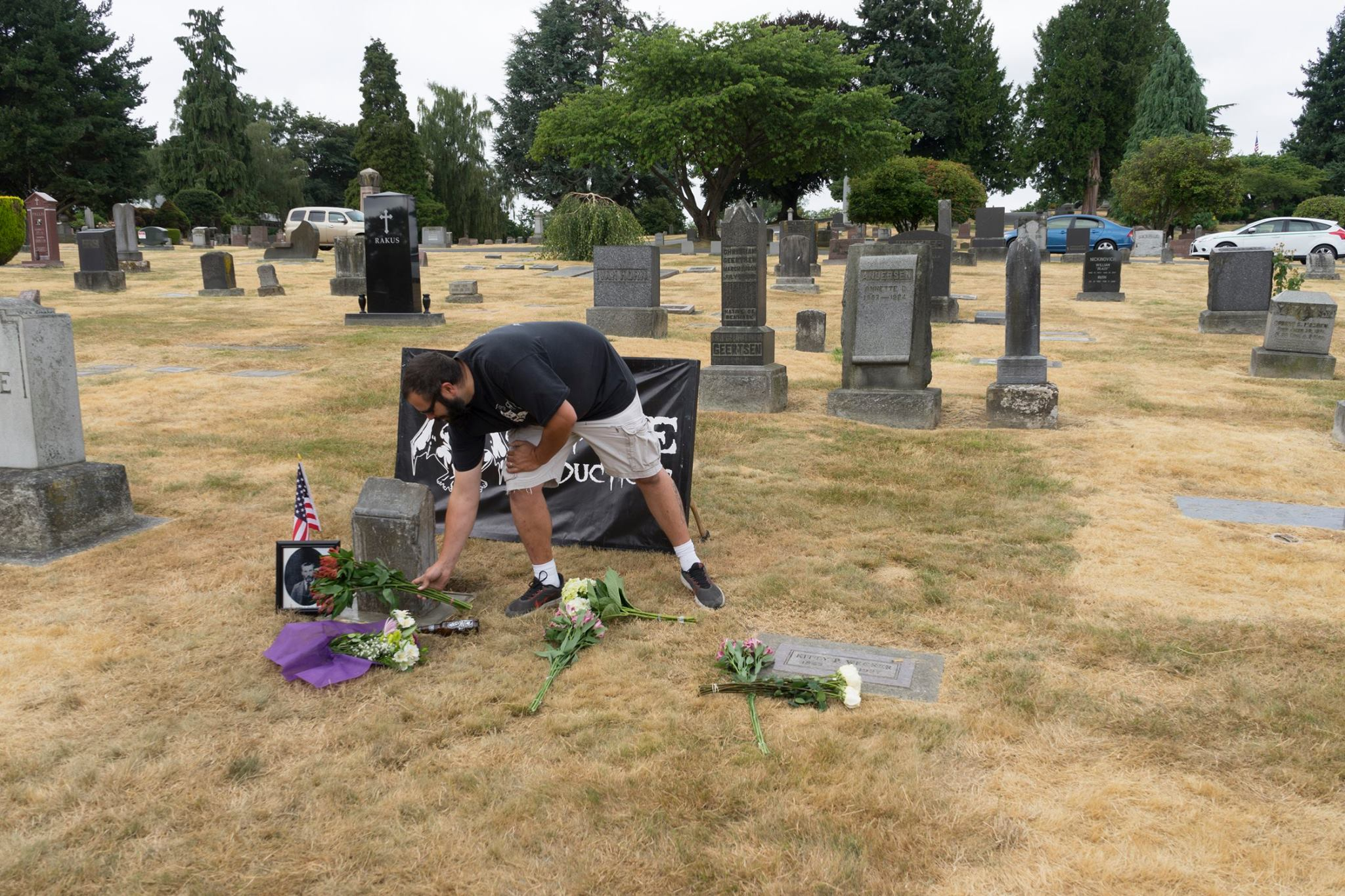 Richard Palmer, a Seattle man who died in 1901, has his tombstone returned and honored at Lake View Cemetery on July 30, 2017 (Photo: Shane Mitchell)