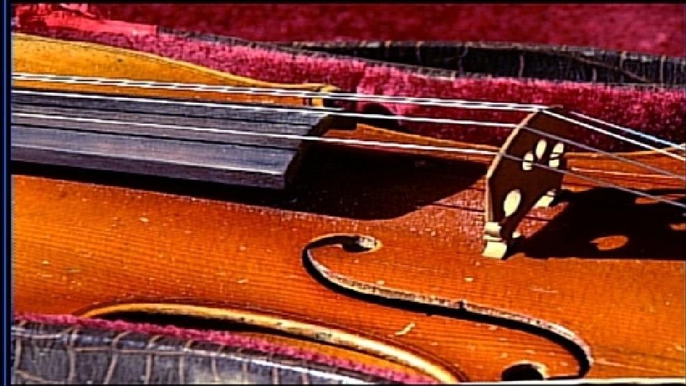 Federal judge dismisses naked Portland violinists claims