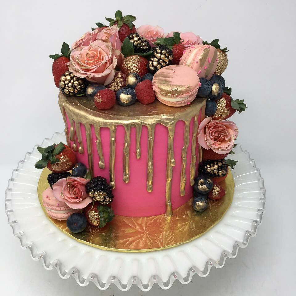 Pink Luxe cake / Image courtesy of Oliver's Desserts // Published: 3.17.18