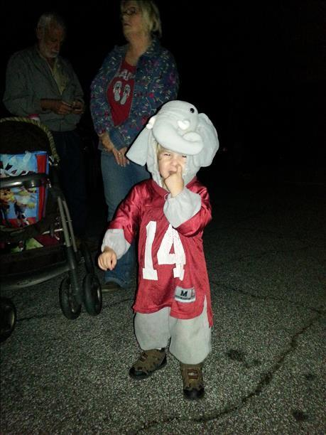 Roll Tide Elephant out with the adults trick or treating!