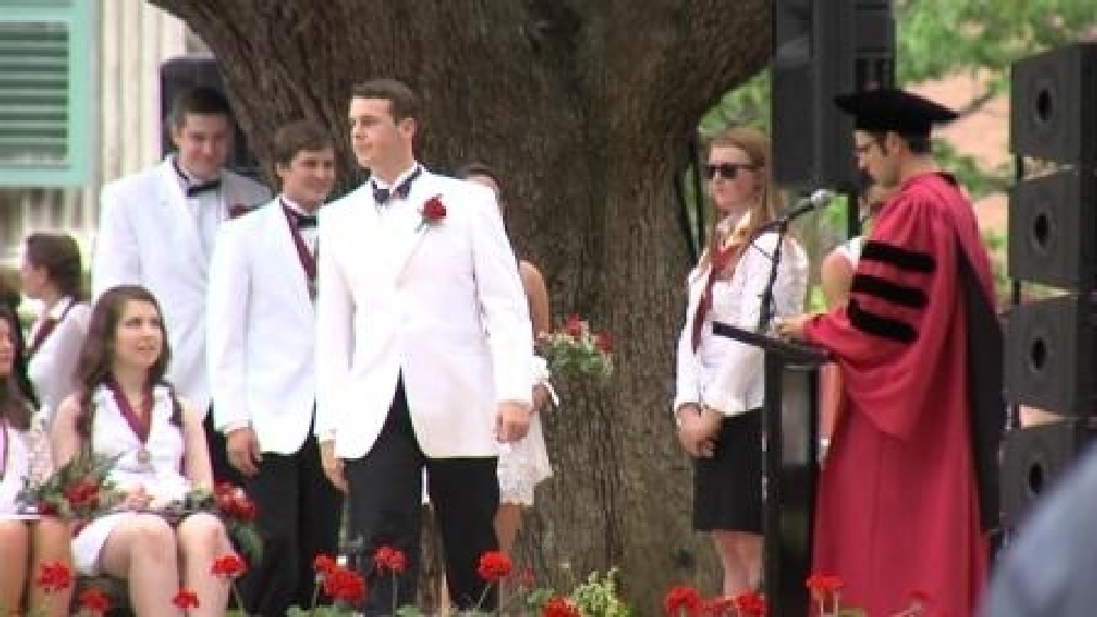College Of Charleston Graduates Say They Re Ready For Work