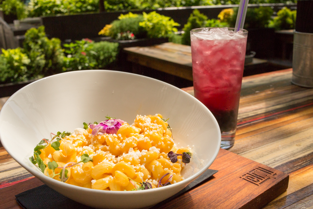 House-made mac and cheese with berry bubble tea / Image: Catherine Viox // Published: 8.18.17