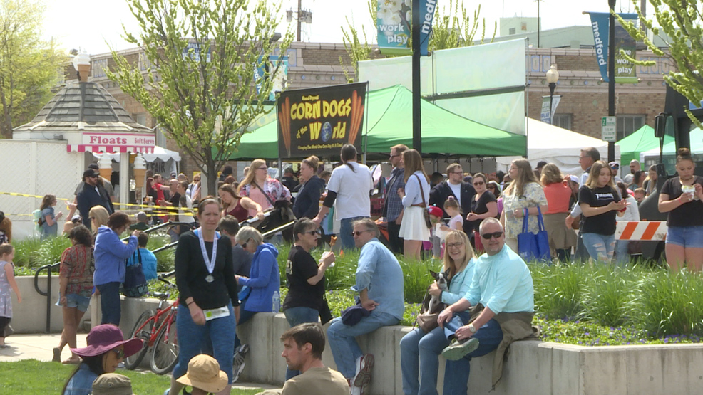 2019 Pear Blossom festival takes over Downtown Medford