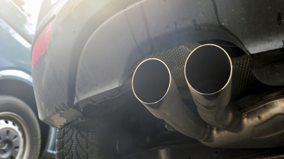 I-1631 tail pipe carbon fuel emissions AP107.jpg