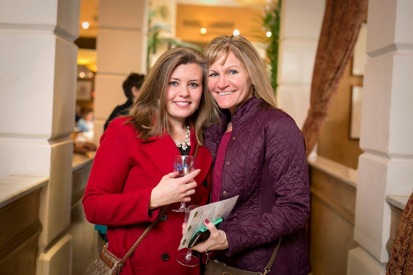 People: Stephanie Romer and Cindy Wesseling / Event: Newport's 11th annual Wine Walk (3.4.17) / Image: Mike Bresnen Photography // Published: 4.3.17