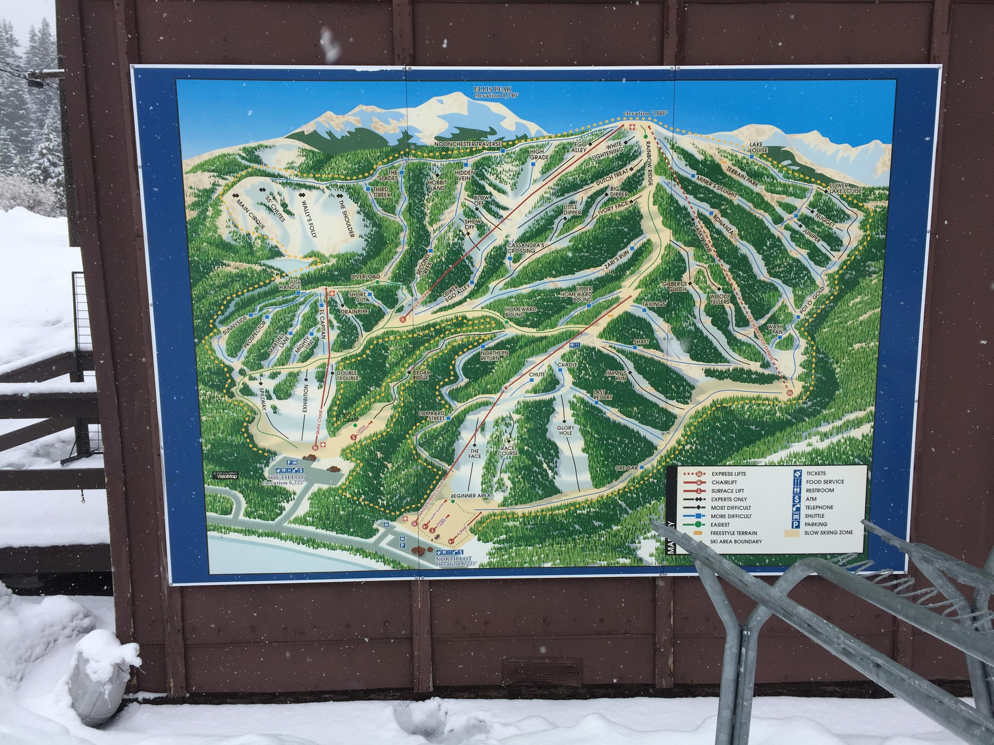 Homewood Mountain Ski resort is more of an intermediate ski experience, with eight lifts and 64 runs.