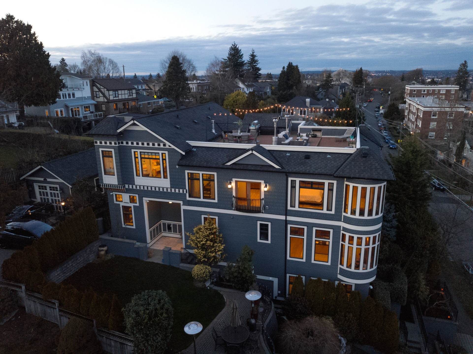 Sometimes I just can't believe that homes like this even exist in this world. This Queen Anne home has seamlessly combined city living with resort like amenities. For starters, think an expansive roof top deck with an 180-degree panorama view... I know, I know, I'll give you a second to catch your breath. On top of all that, there is a media room, an elevator, an indoor pool, hot tub, sauna and more. Not too shabby, eh? The 7,750 square foot home has 5 bed and 5 baths and has a price tag of $6,295,000. Check RedFin for more information on this listing, MLS #1255285. (Image courtesy of RedFin.com).