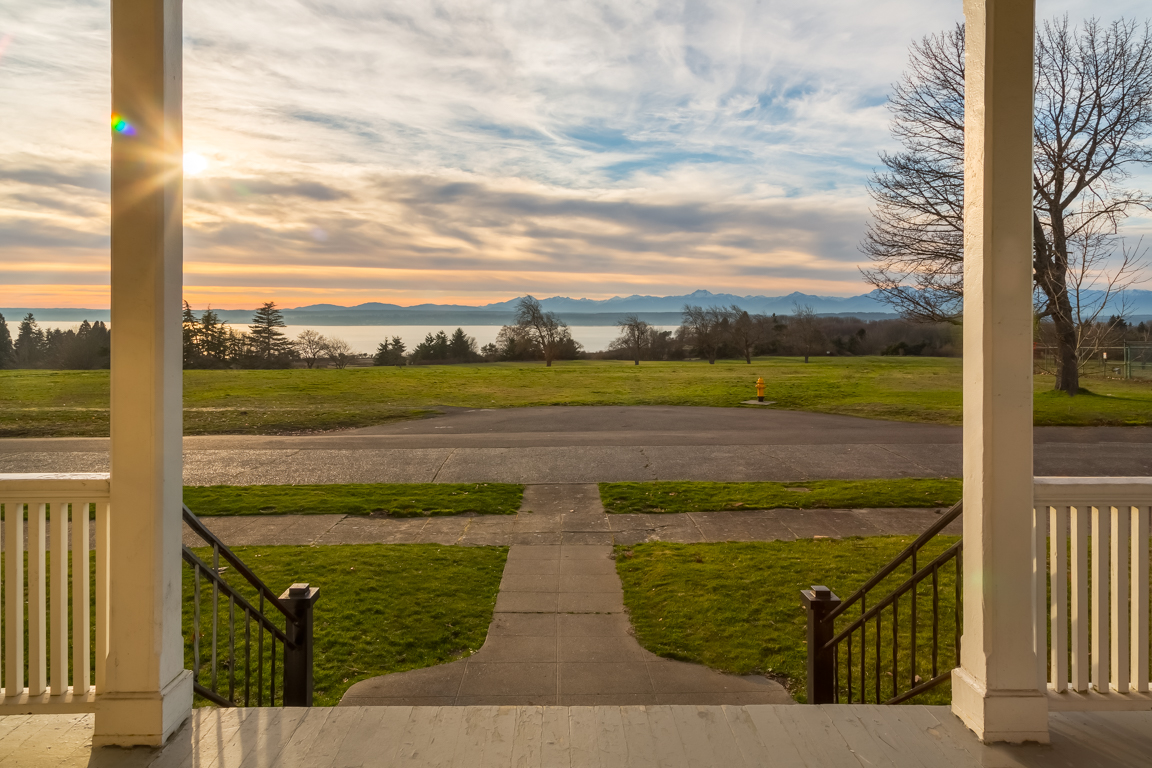 Discovery Park makes for quite a back yard! Enjoy everything from hiking trails and tidal beaches to meadow lands and sea cliffs.