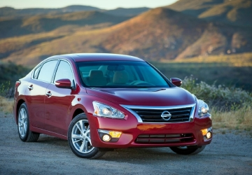 Nissan recalls Altima; door might open if window rolled down