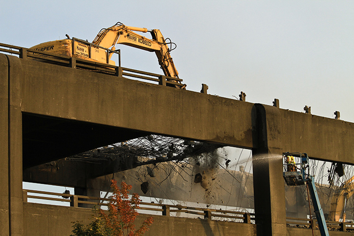 WSDOT photo shows demolition of the southern end of the viaduct.
