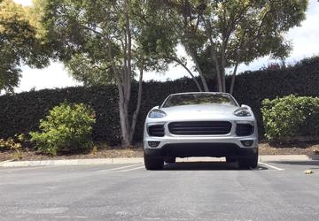 2017 Porsche Cayenne S E-Hybrid: Sporty hybrid SUV creates the best of all worlds
