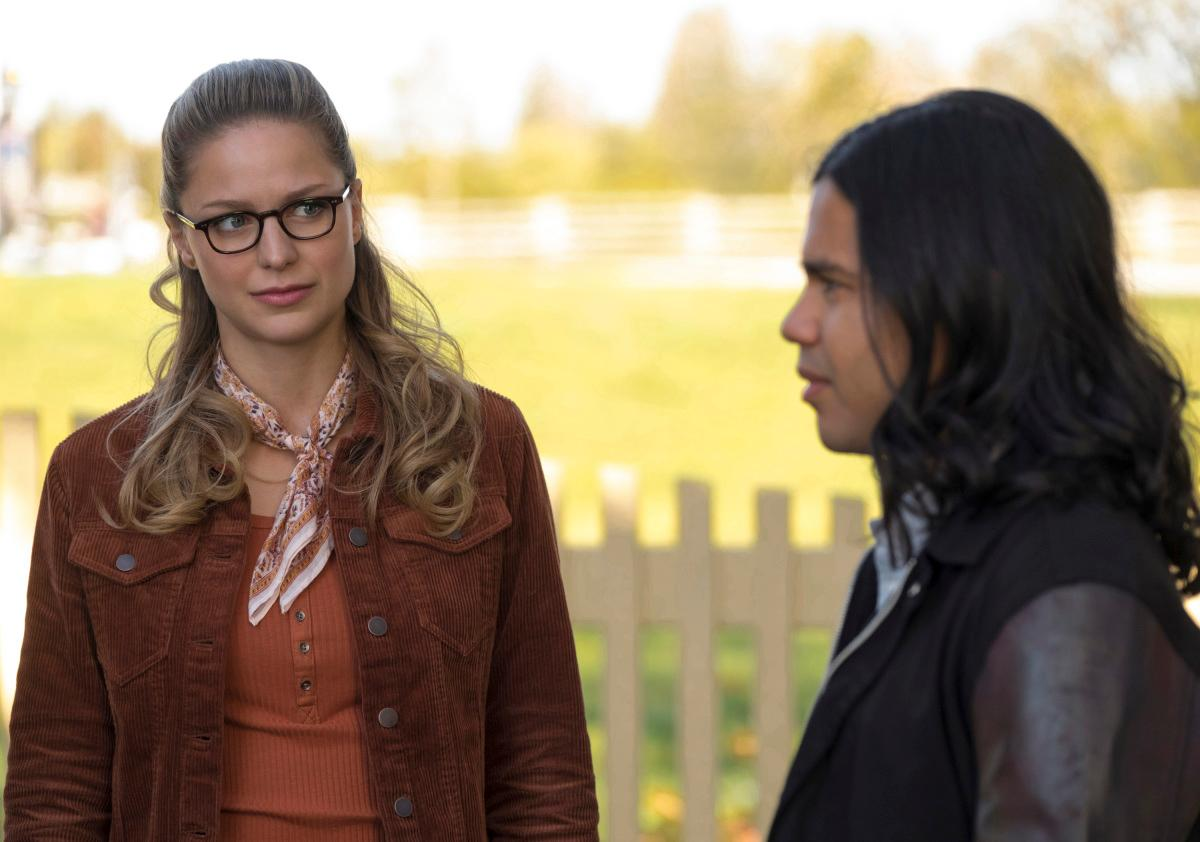 "The Flash -- ""Elseworlds, Part 1"" -- Image Number: FLA509b_0195b.jpg -- Pictured (L-R): Melissa Benoist as Kara/Supergirl and Carlos Valdes as Cisco Ramon -- Photo: Katie Yu/The CW -- �© 2018 The CW Network, LLC. All rights reserved"