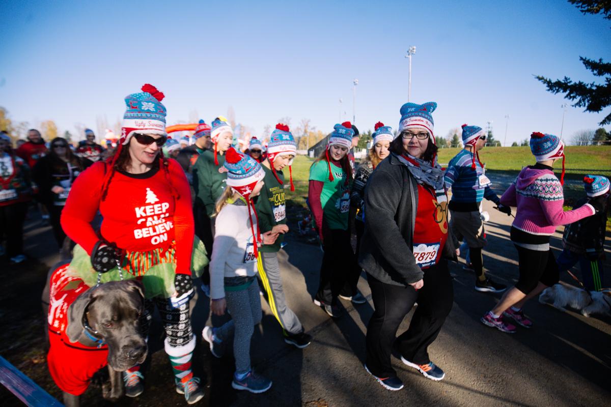 Photos: Ugly sweater season kicks off with a fun run | KVAL